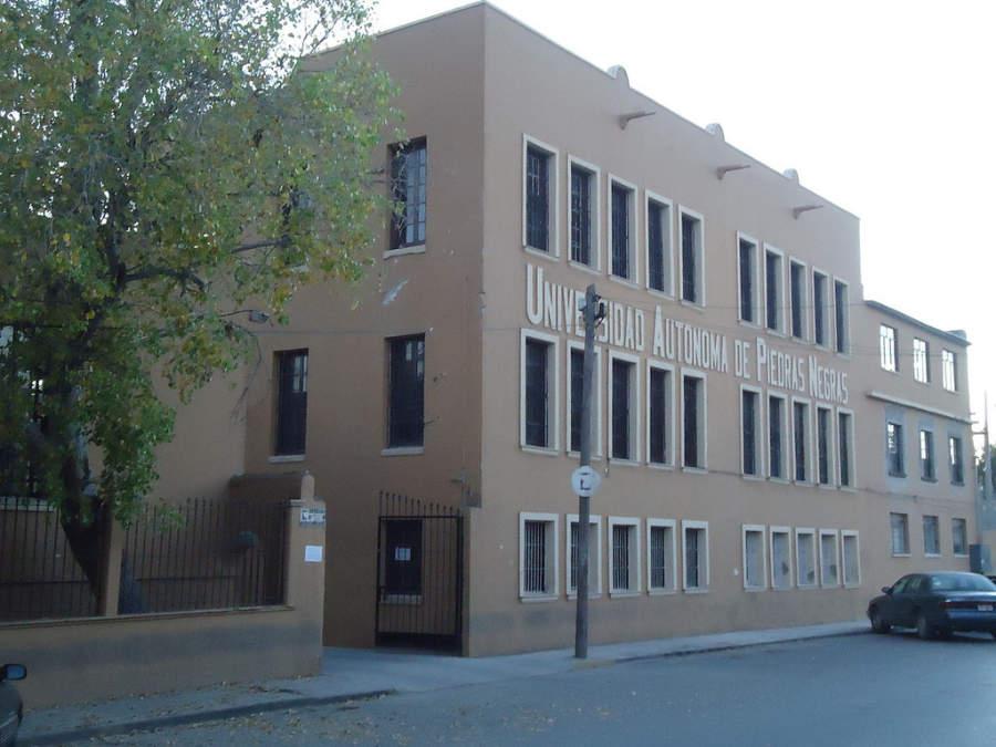 Exterior de la Universidad Autónoma de Piedras Negras