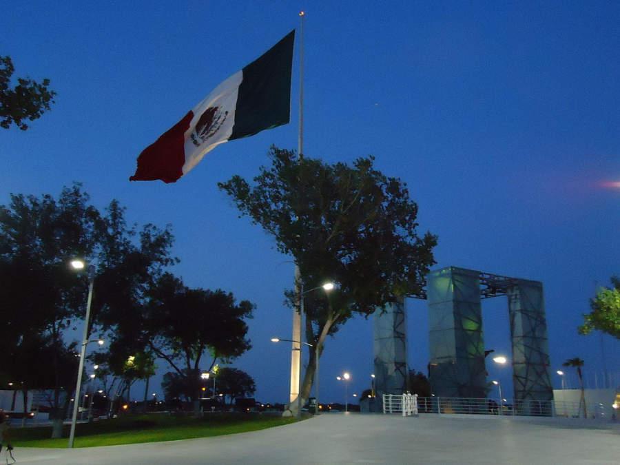 El Asta Bandera Monumental es un ícono de la ciudad de Piedras Negras