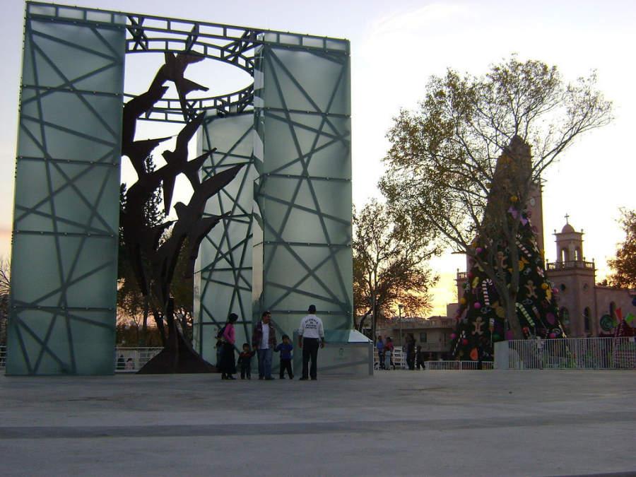 Estructura al Vuelo en la Gran Plaza en Piedras Negras