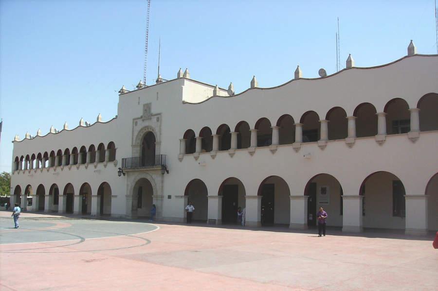 Vista exterior del Palacio Federal de Nuevo Laredo