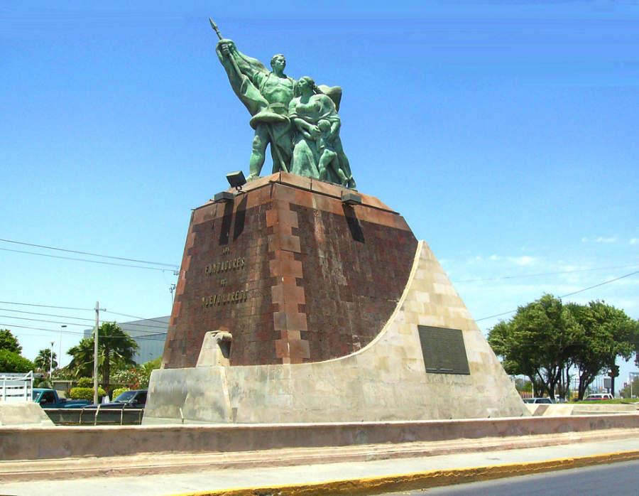 Monumento a los Fundadores de Nuevo Laredo