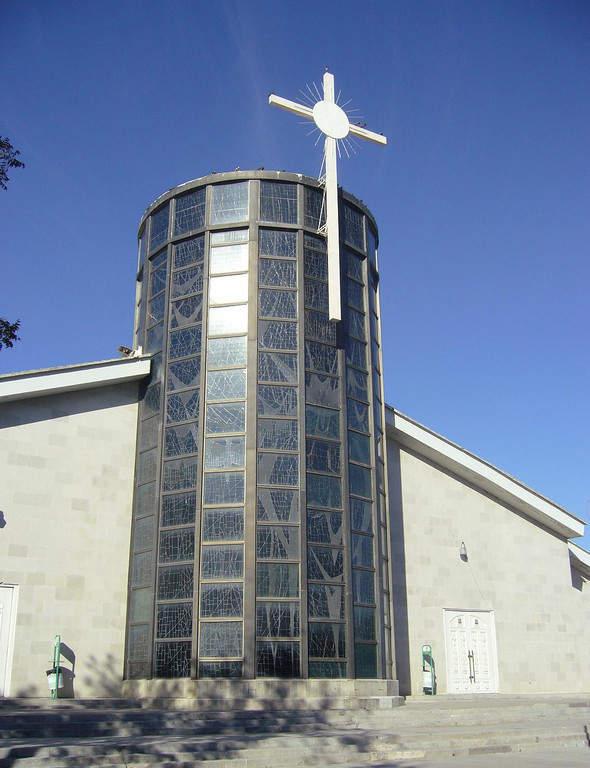 Exterior de la Catedral del Espíritu Santo en Nuevo Laredo