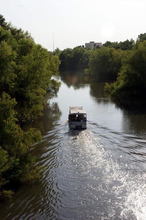 Bote en el río Tamazula de Culiacán