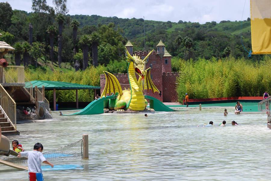 Tus niños se divertirán en el parque acuático de Ixtapan de la Sal