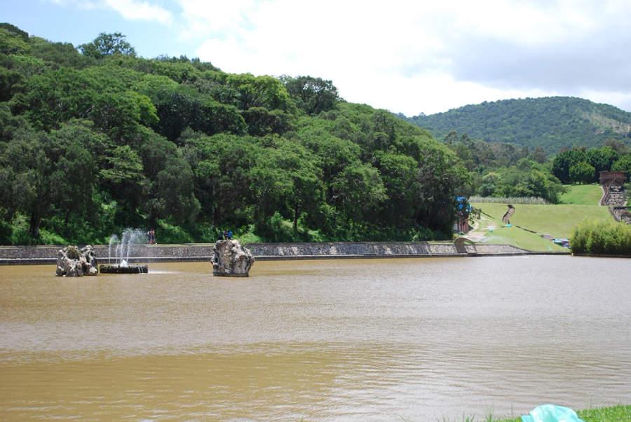 Lago en el Parque Acuático Ixtapan