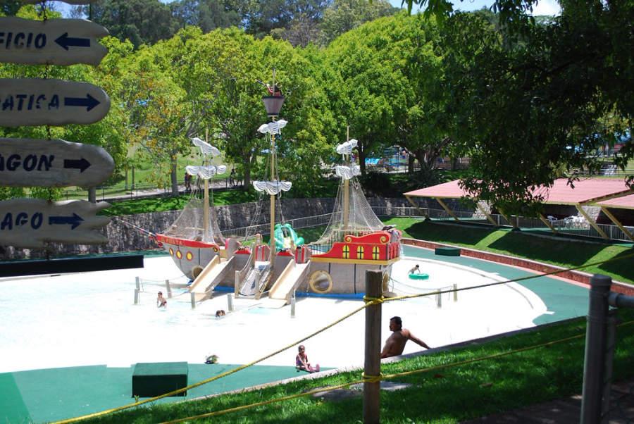 Pasa un día en familia en el parque acuático de Ixtapan de la Sal
