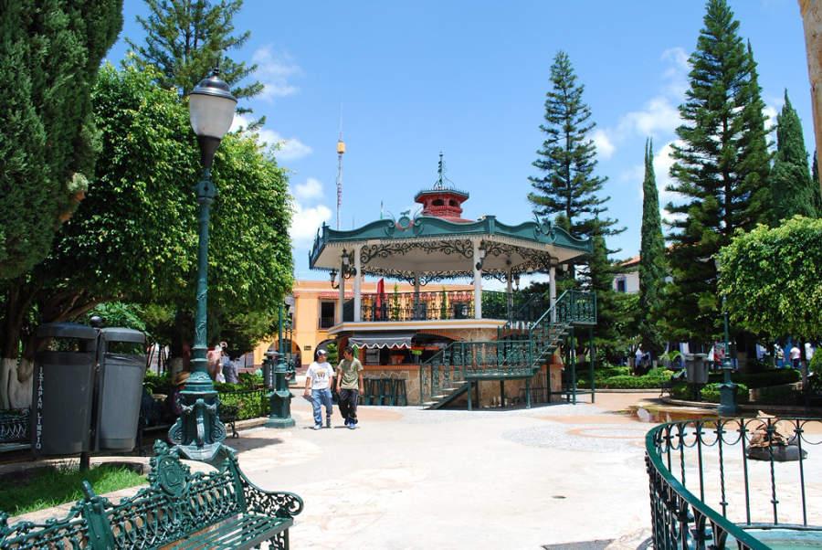Quiosco en el parque central de Ixtapan de la Sal