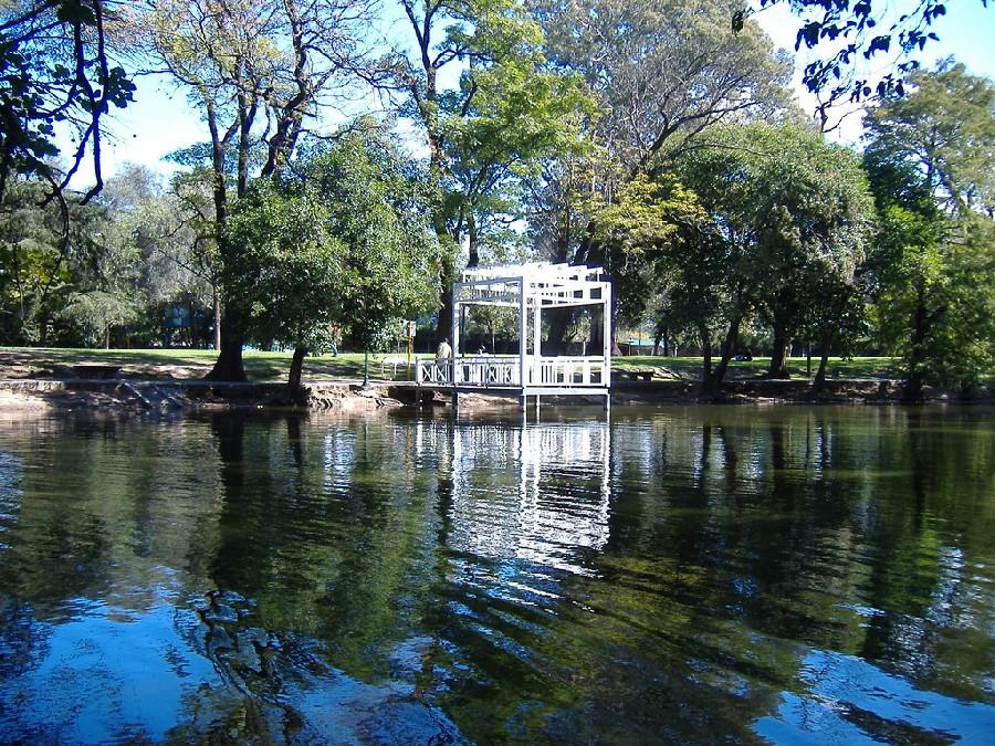 Lago del Parque Sarmiento