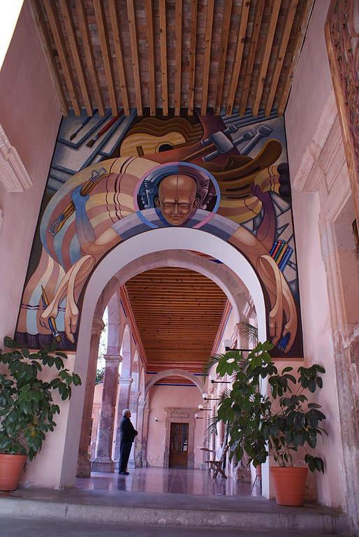Mural interior en la Escuela de Artes y Oficios de Lagos de Moreno