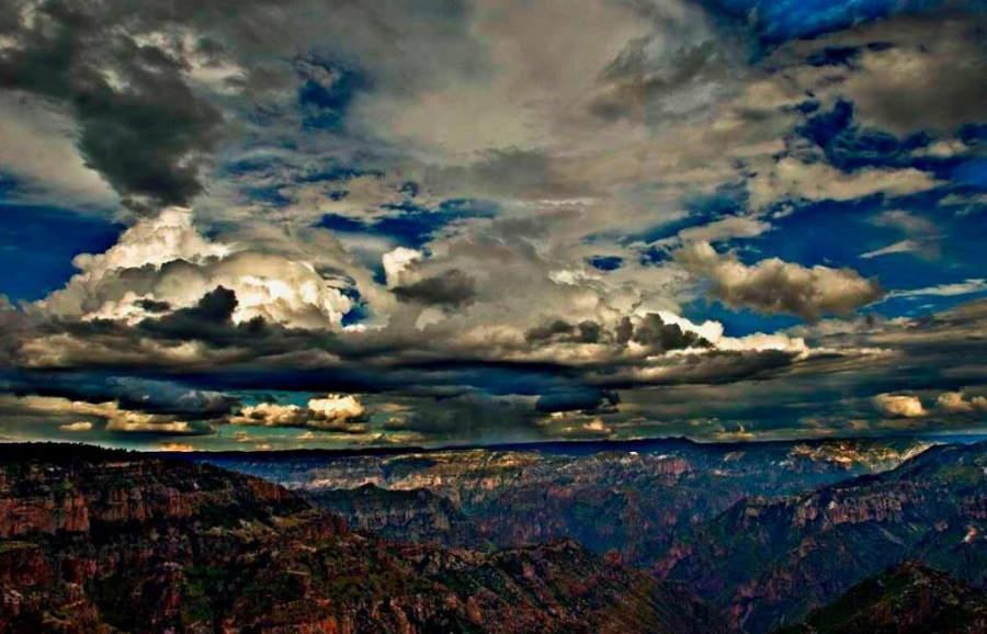 Paisaje de la sierra Madre Occidental en Bocoyna