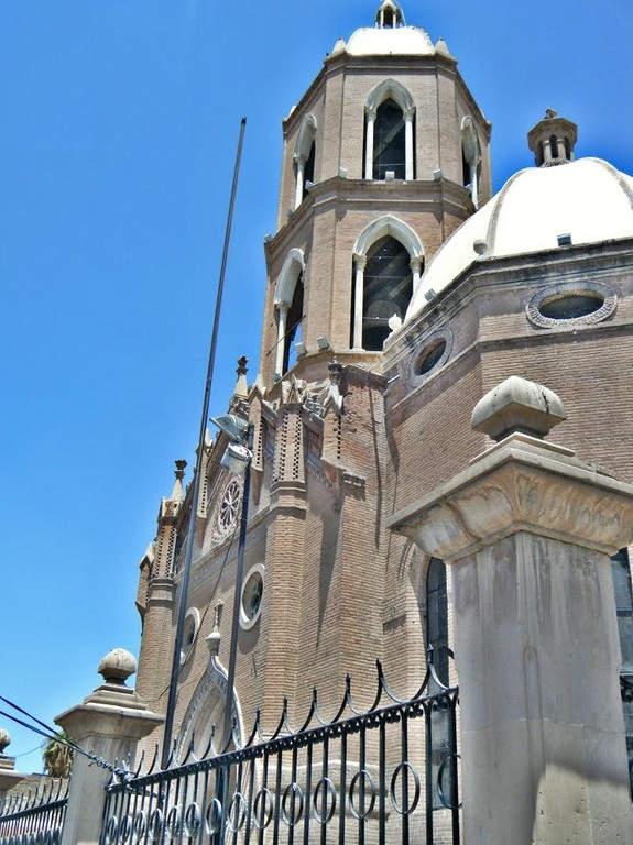 Parroquia de Guadalupe en el centro histórico de Gómez Palacio