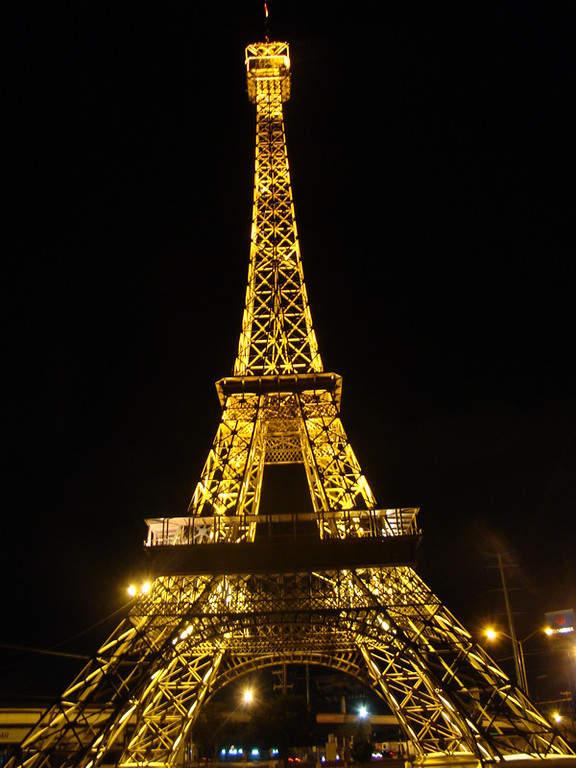 Réplica de la Torre Eiffel en Gómez Palacio, de 58 metros de altura
