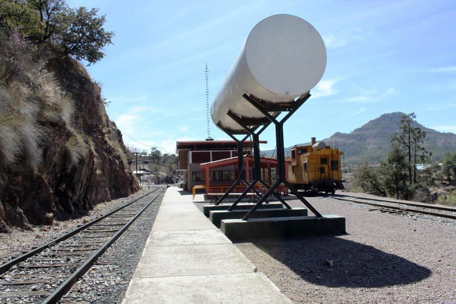 Estación Bahuichivo del tren El Chepe cerca de Cerocahui