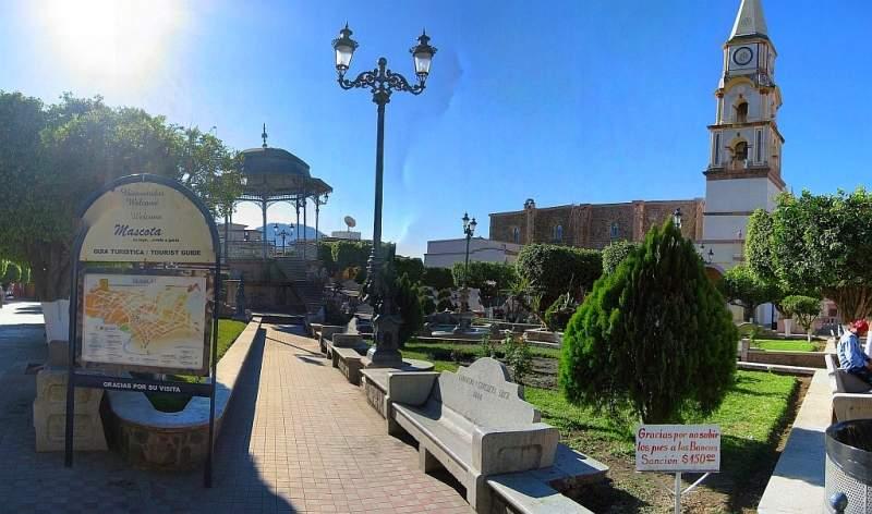 Plaza principal de Mascota, lugar de venados y culebras
