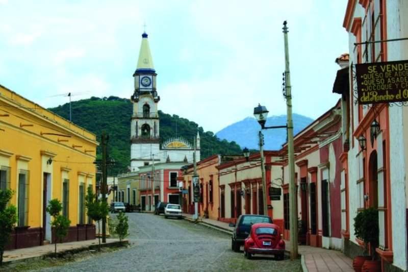 Calle típica en Mascota