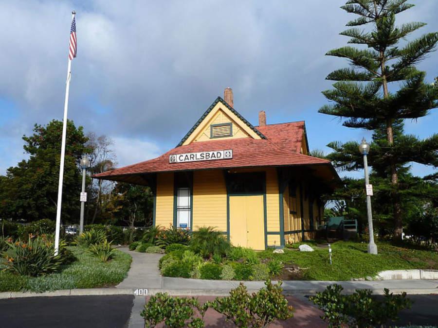 Antigua estación de tren Santa Fe Depot en Carlsbad
