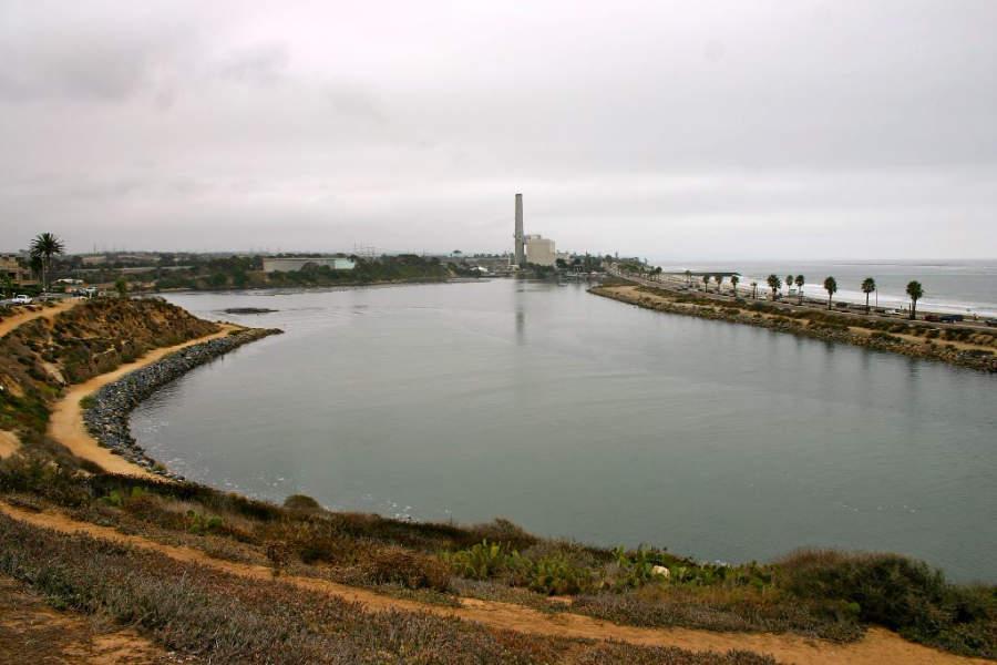 En la laguna Agua Hedionda puedes realizar actividades en barco