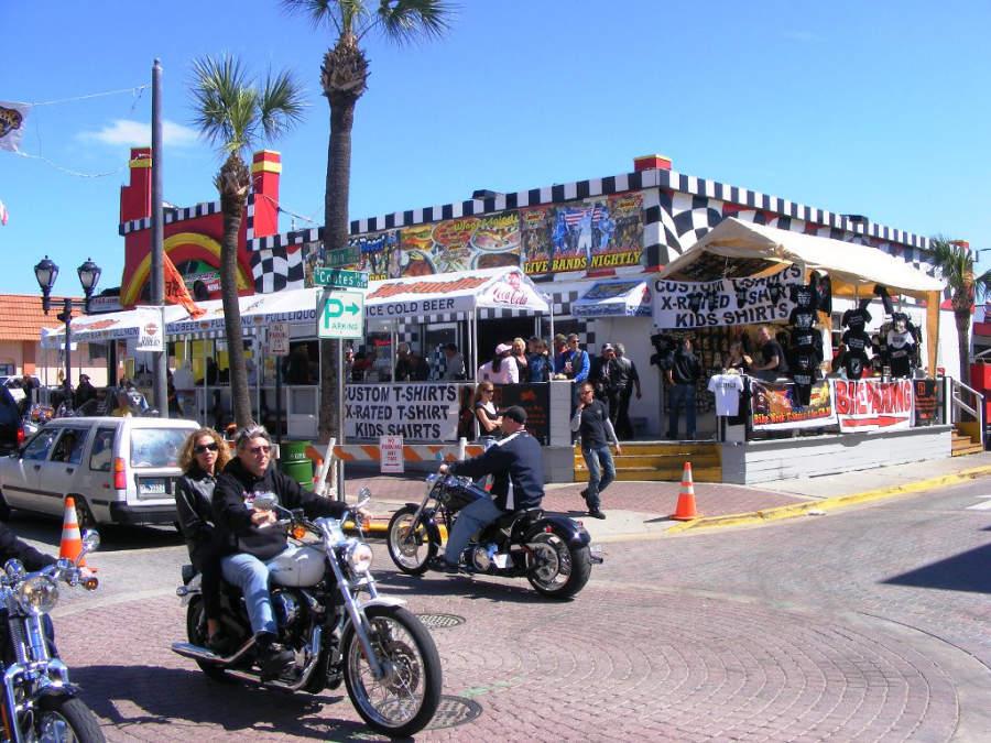 Daytona Beach durante el festival Biketoberfest