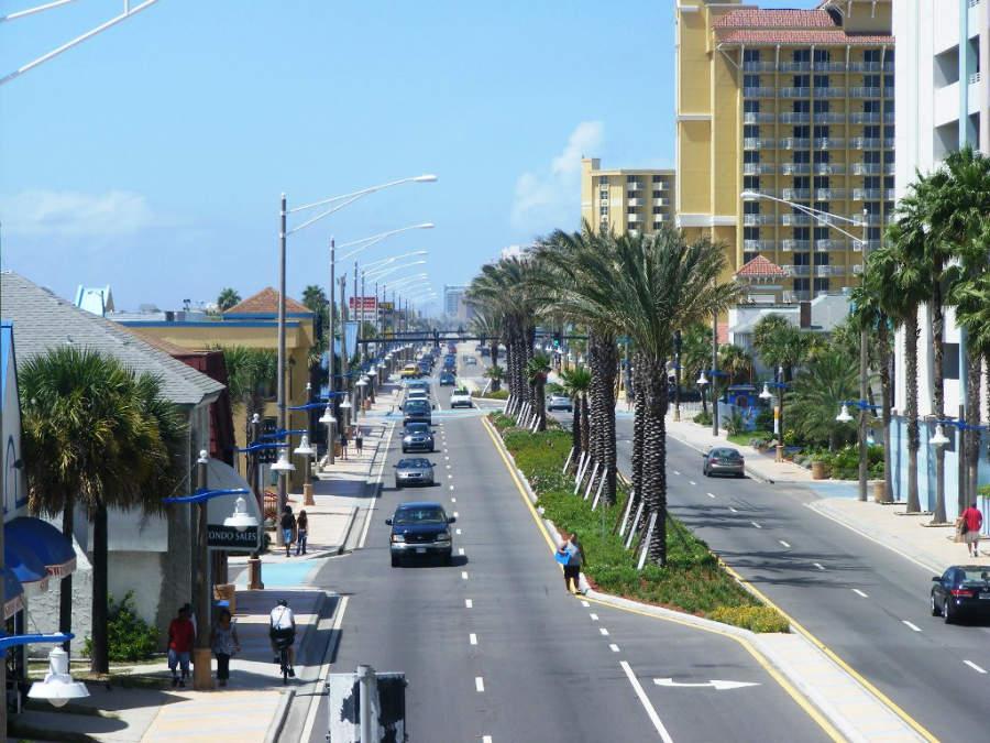 Avenida principal de Daytona Beach, en Florida
