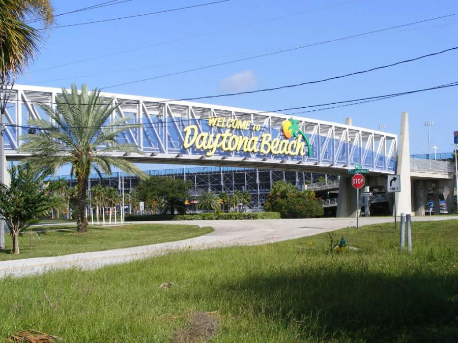Entrada a la ciudad de Daytona Beach