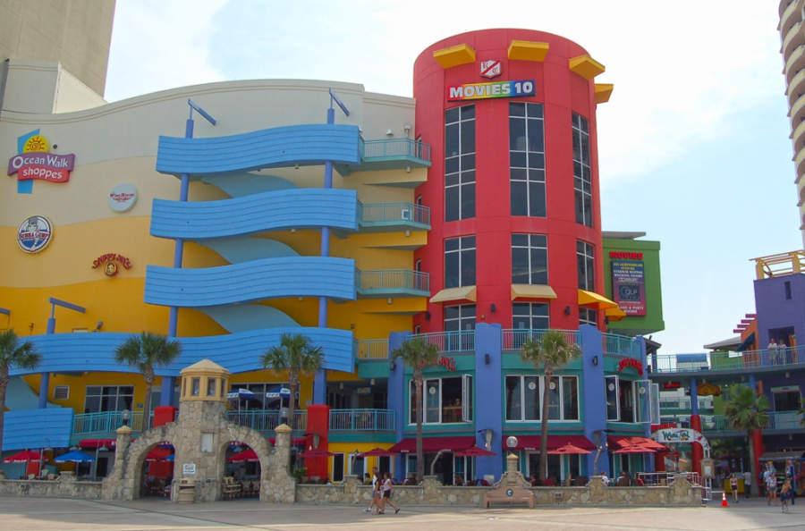 Centro comercial Ocean Walk Shoppes en la ciudad de Daytona Beach