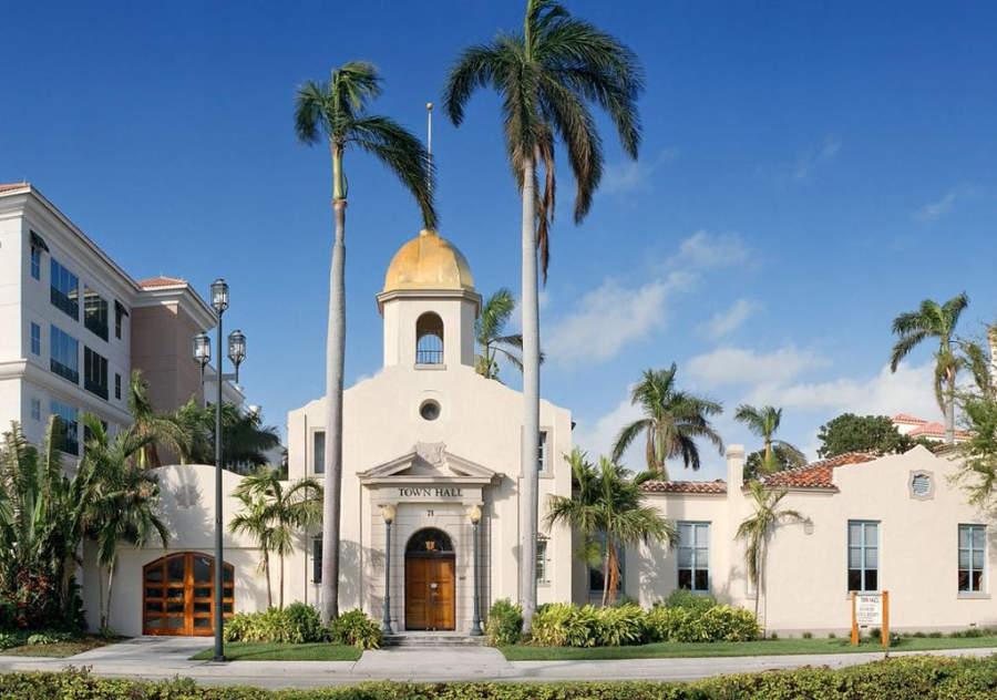 Fachada de la Sociedad Histórica y Museo de Boca Ratón