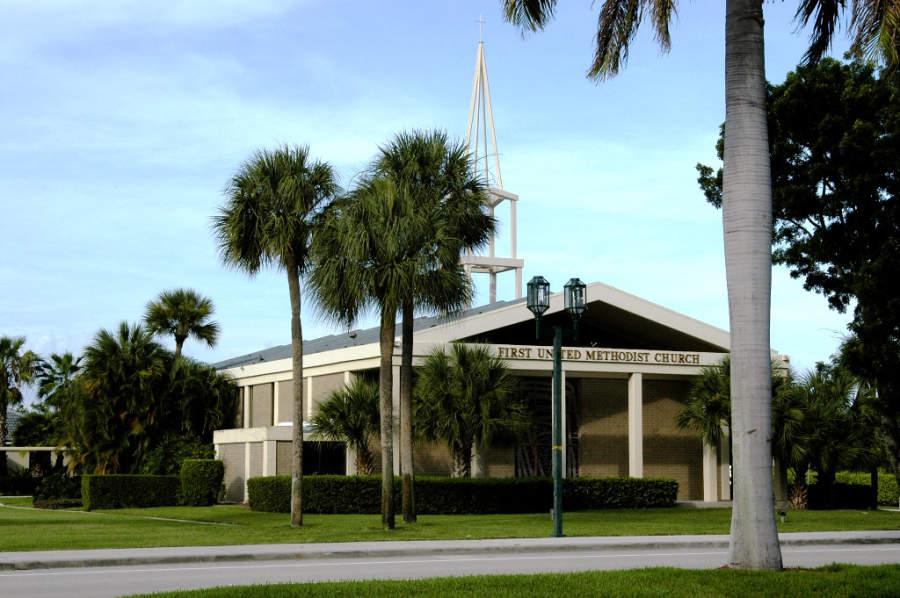 Iglesia metodista en Boca Ratón, al norte de Fort Lauderdale