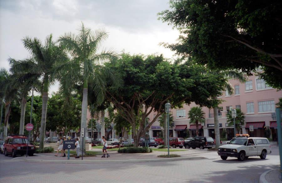 Jardín central en el Parque Mizner de Boca Ratón
