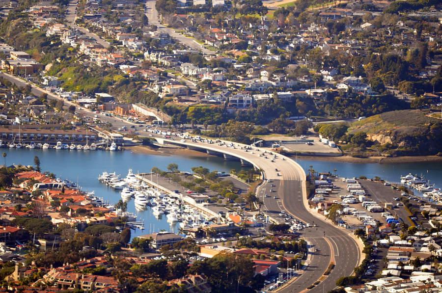 Vista panorámica de la ciudad de Newport Beach