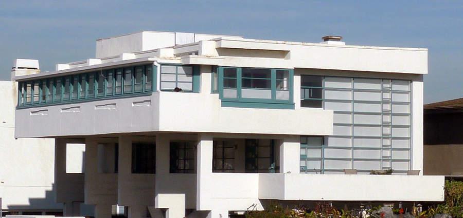 Lovell Beach House es una casa de playa considerada un sitio histórico de Newport Beach