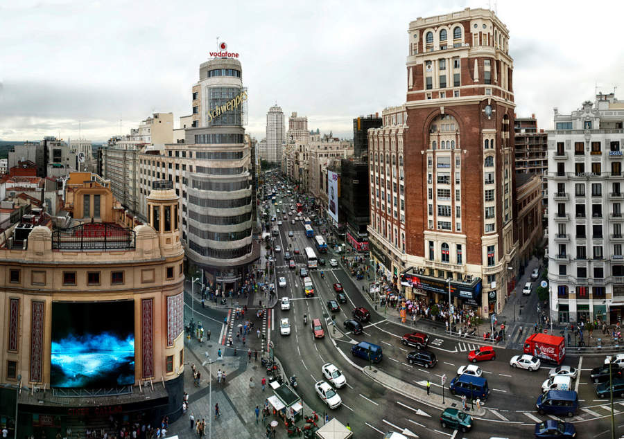 La Gran Vía, conocida como el Broadway de Madrid