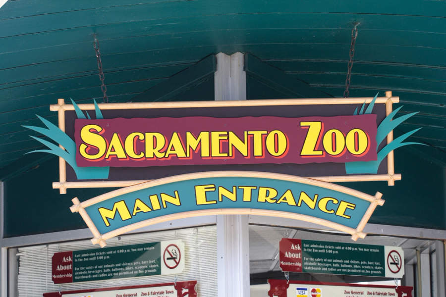 Entrada al Zoológico de Sacramento