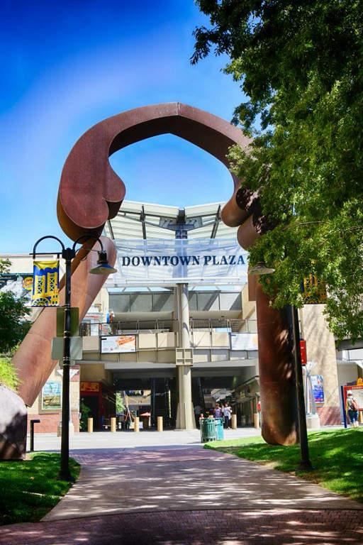 Centro comercial Sacramento Downtown Plaza