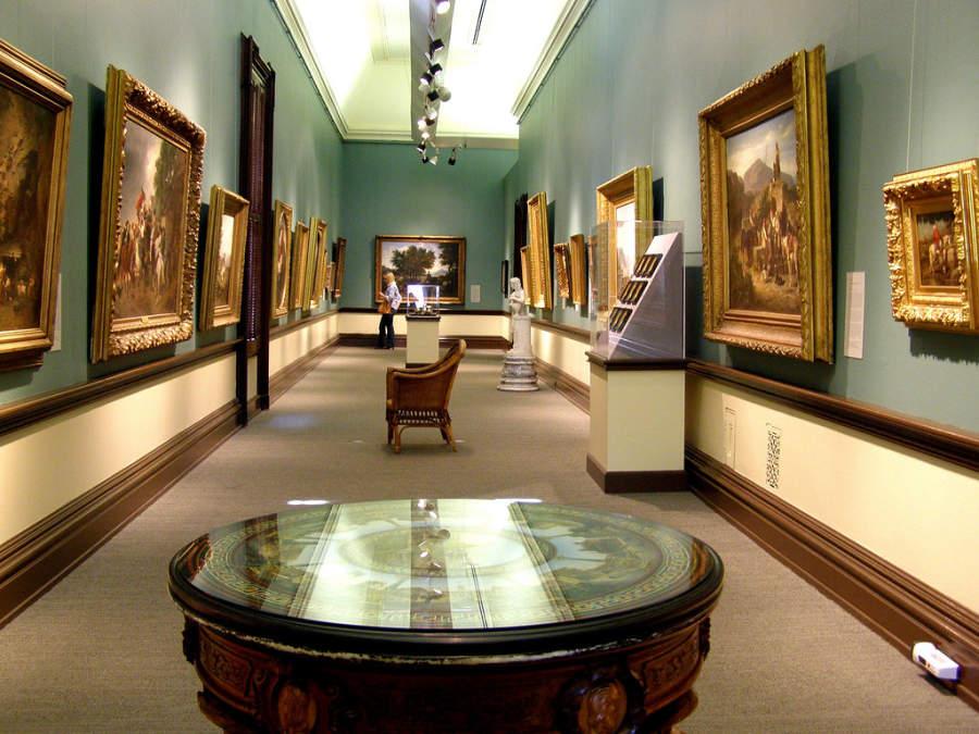 Interior del Museo Crocker Art en Sacramento