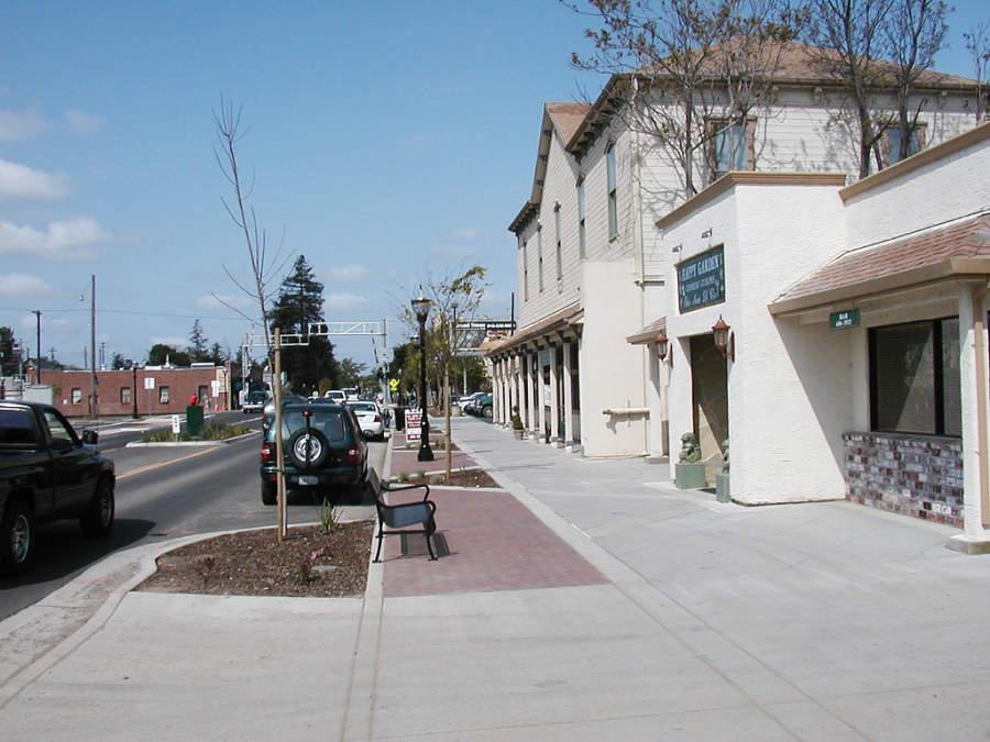 Calle en la ciudad de Elk Grove