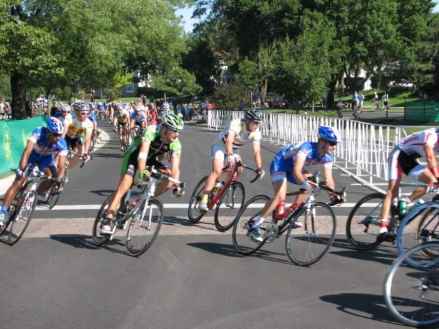 Carrera de ciclismo en Elk Grove