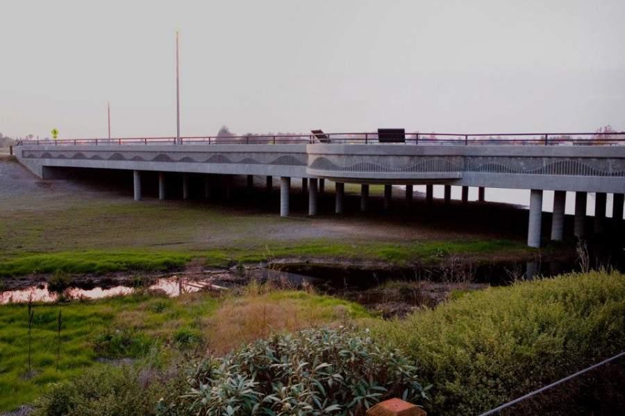 Puente en Elk Grove, California