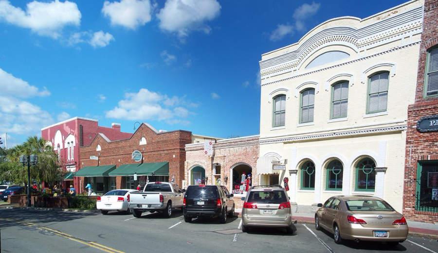 Avenida típica en el centro de Fernandina Beach