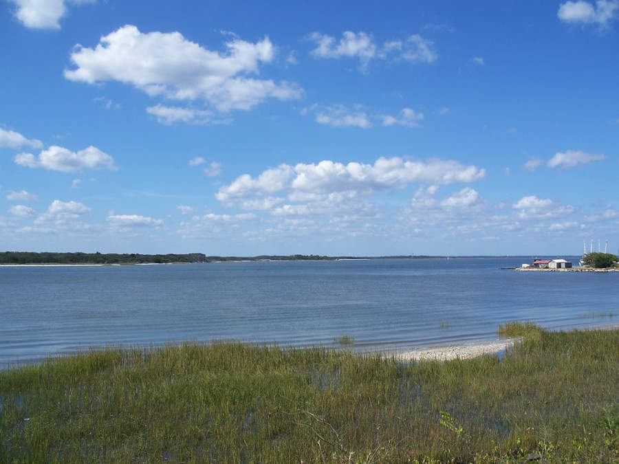 Vista del río Amelia en Fernandina Beach