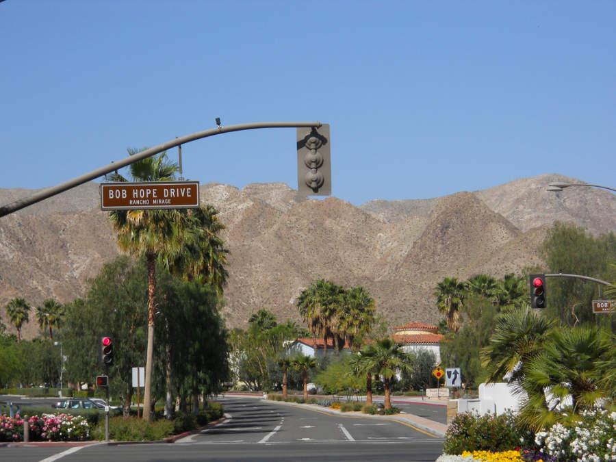 La ciudad de Rancho Mirage está rodeada de montañas