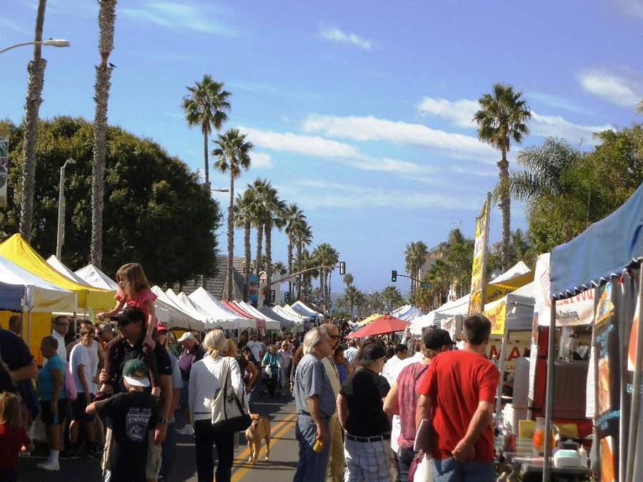 Mercado en el centro de la ciudad de Oceanside