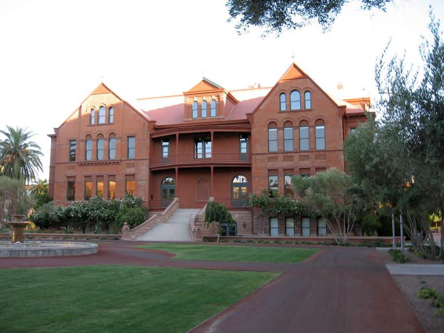Antiguo edificio principal de la Universidad Estatal de Arizona campus Tempe