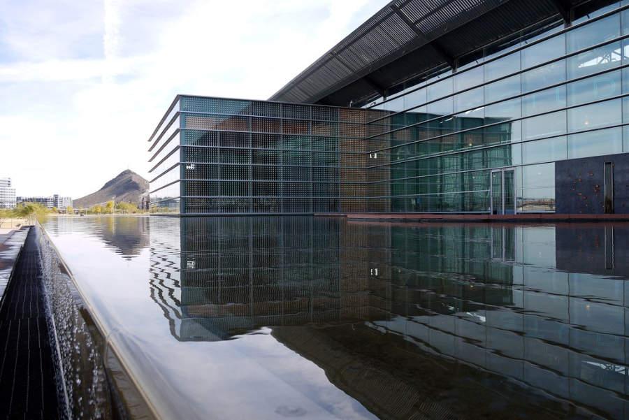 El Centro para las Artes Tempe es un edificio de arquitectura moderna