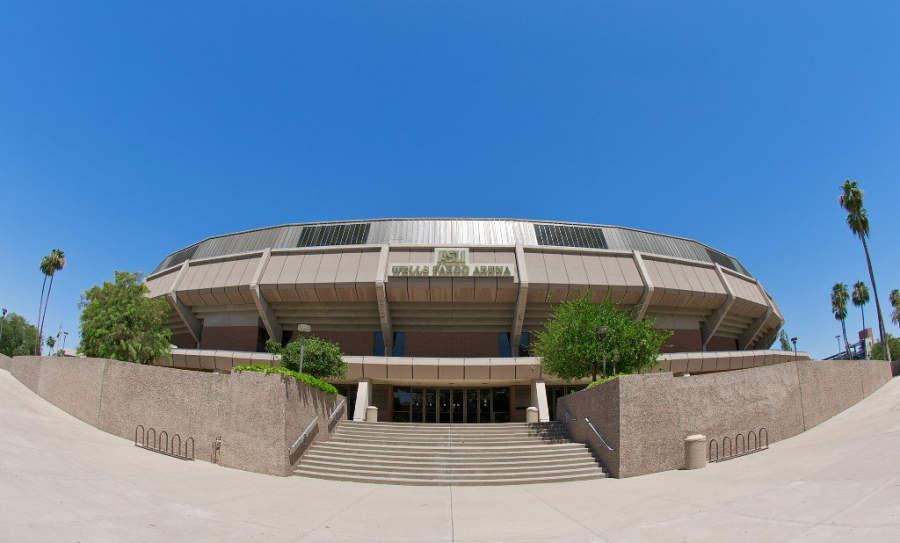 En el recinto Wells Fargo Arena se juegan partidos de basquetbol