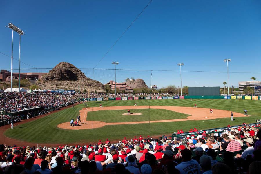 Tempe Diablo Stadium es un recinto deportivo para juegos de béisbol