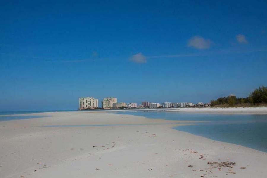 Marco Island tiene 6 kilómetros de playas de arena blanca