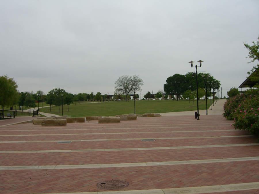 Parque Addison Circle en la ciudad texana de Addison