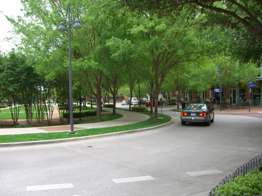 Calle cercana al Parque Addison Circle