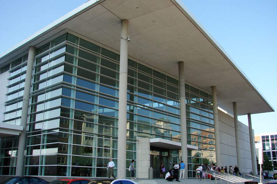 En el Centro de Artes Charles W Eisemann se realizan exposiciones artísticas