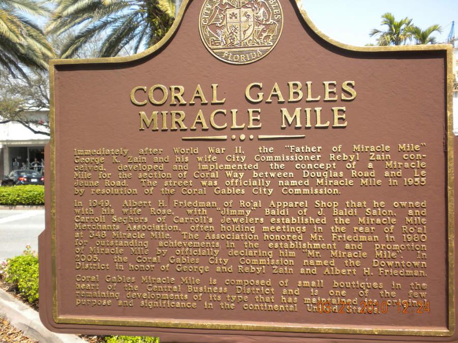 La calle Miracle Mile, es la principal de Coral Gables